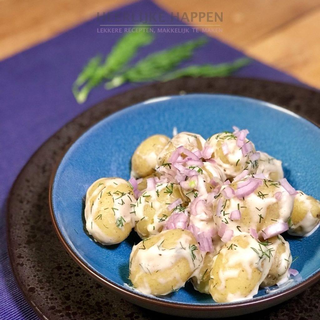 Dille aardappeltjes met rode ui