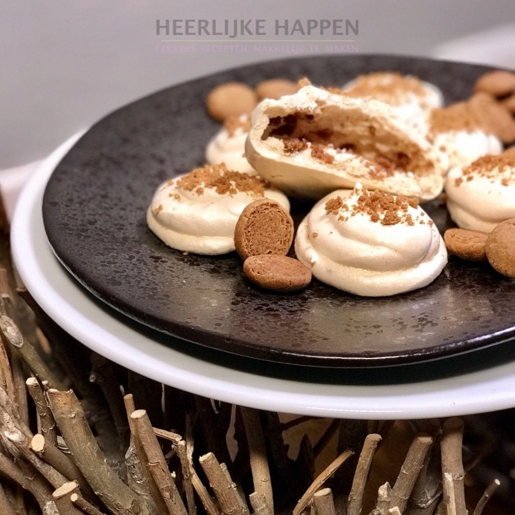Kruidnootjes meringue