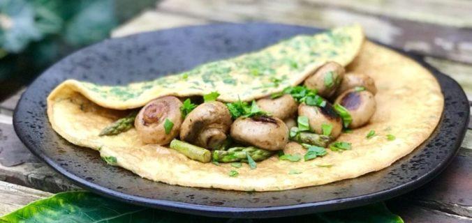 Spinazie omelet met champignons