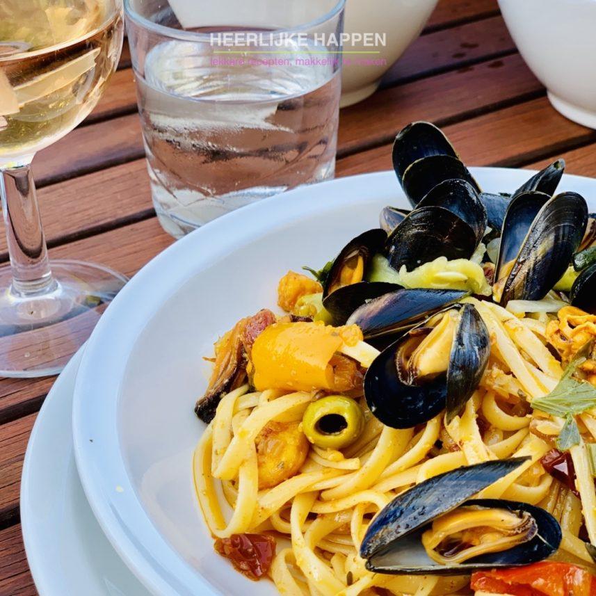linguine mosseltjes aglio olio met mosseltjes