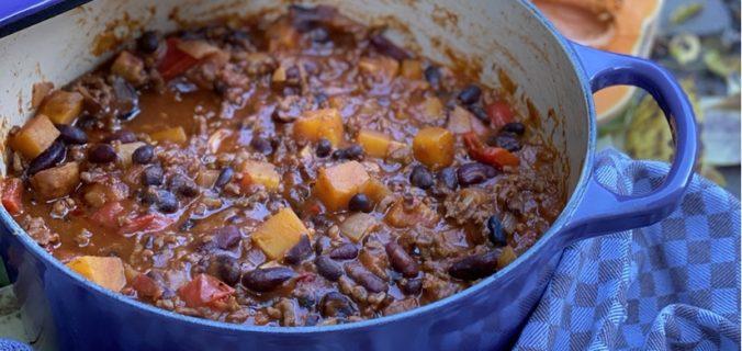 Spicy pompoen chili con carne