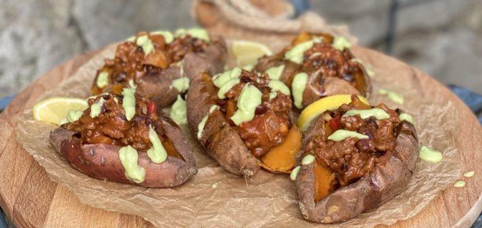 Gepofte zoete aardappel met chili