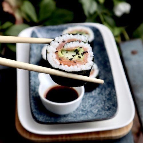 Low carb avocado zalm sushi
