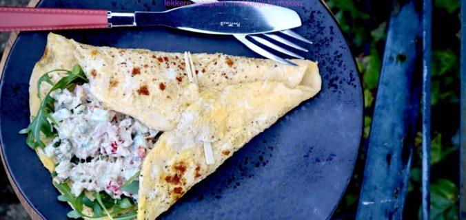 Homemade tonijnsalade in een omelet