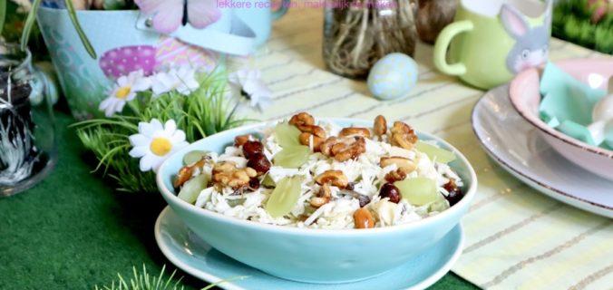 Witte koolsalade met druiven