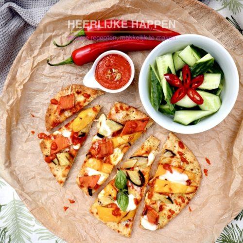 Harissa naanpizza met buffelmozzarella