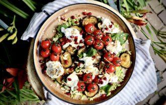 Gegrilde tomaat en auberginesalade