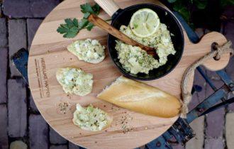 Romige pittige avocado eiersalade